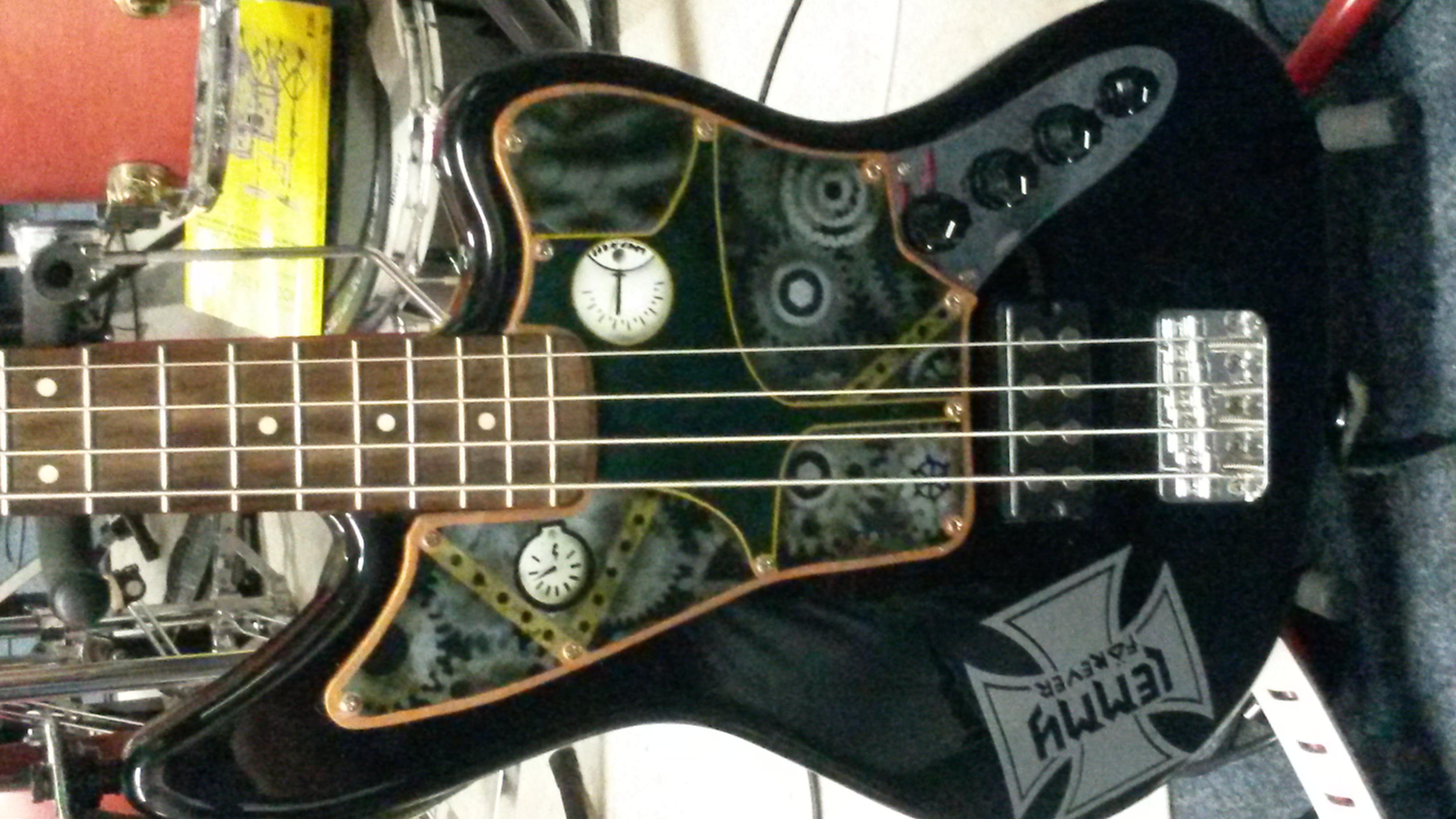 Bass 2